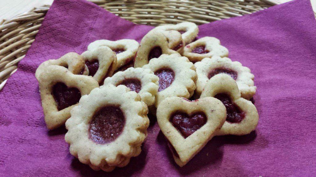 Biscotti Di Natale Tirolesi.Biscotti Tirolesi Con Confettura Di Ribes Rosso Agriturismo Casa